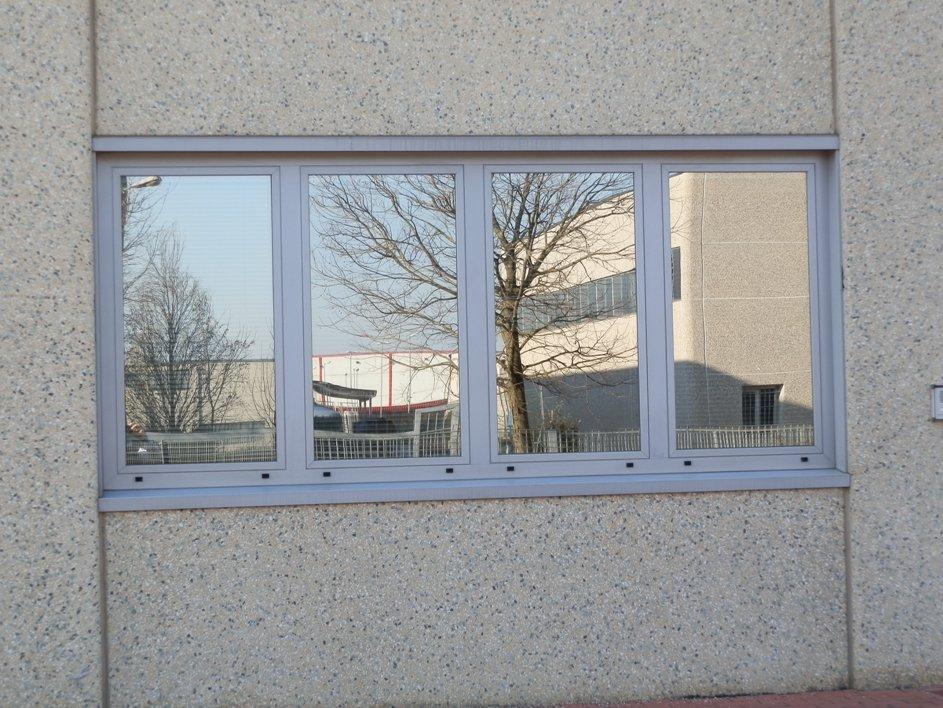 Finestre in alluminio e pvc s i c infissi for Preventivo finestre alluminio