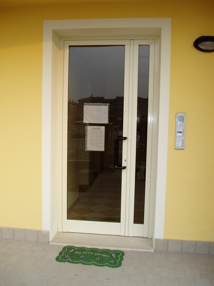 Porte interne s i c infissi - Porte interne alluminio e vetro ...