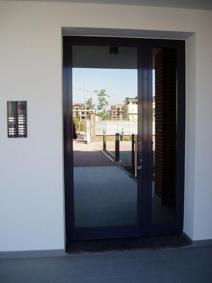 Porte interne s i c infissi - Porta esterna in alluminio ...