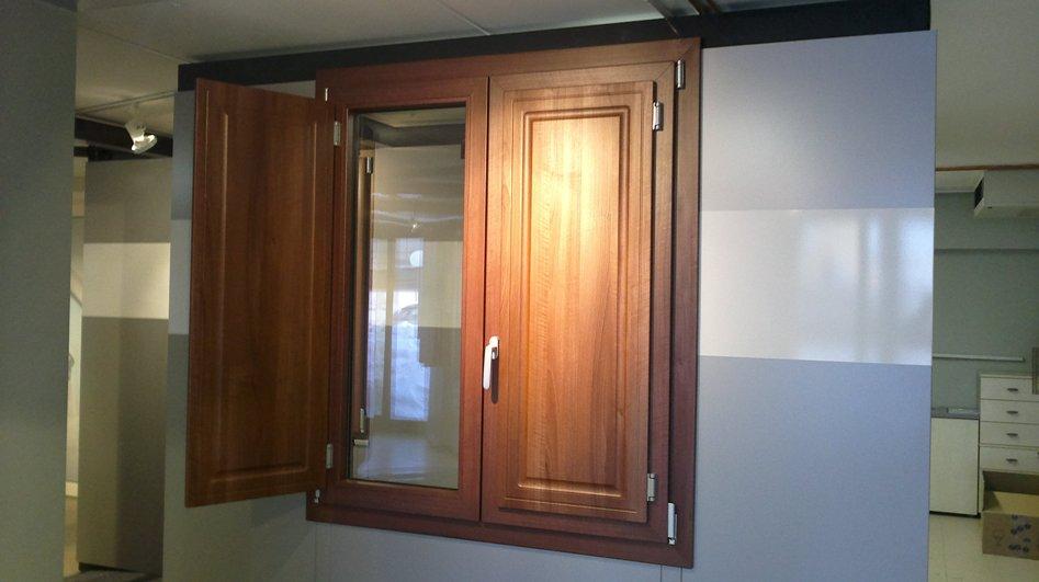 Finestre in alluminio e pvc s i c infissi - Contatti magnetici per finestre vasistas ...